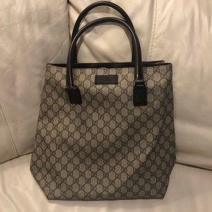 Gucci Preloved tote clean inside